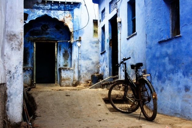 Street_scene_from_Bundi,_Rajasthan