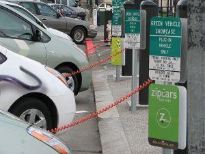 Damit mir Schleichwerbung nicht vorgeworfen werden kann: ein Carsharing-Anbieter weit weg von hier. (CC BY-SA 2.0 Felix Kramer)